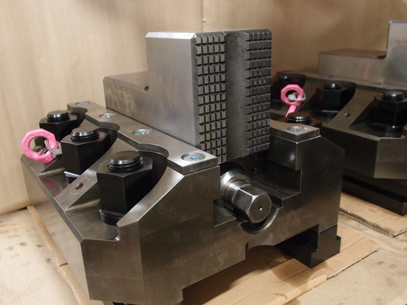 Fünfachsiges Bearbeitungszentrum OKUMA MU-500VA